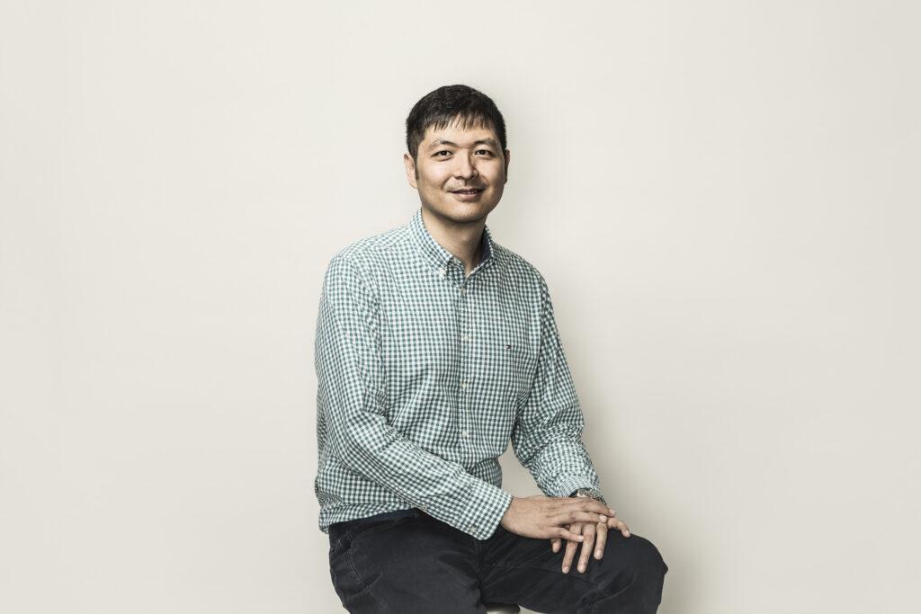 Headshot of Gene Cheung