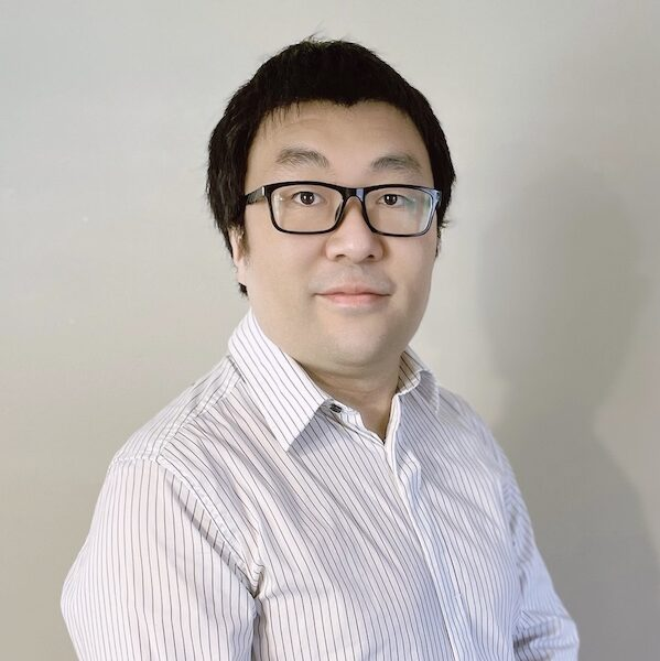 Headshot of Larry Zhang