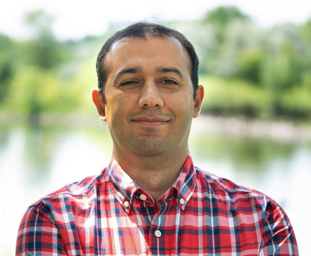 headshot of Iman Roohidehkordi