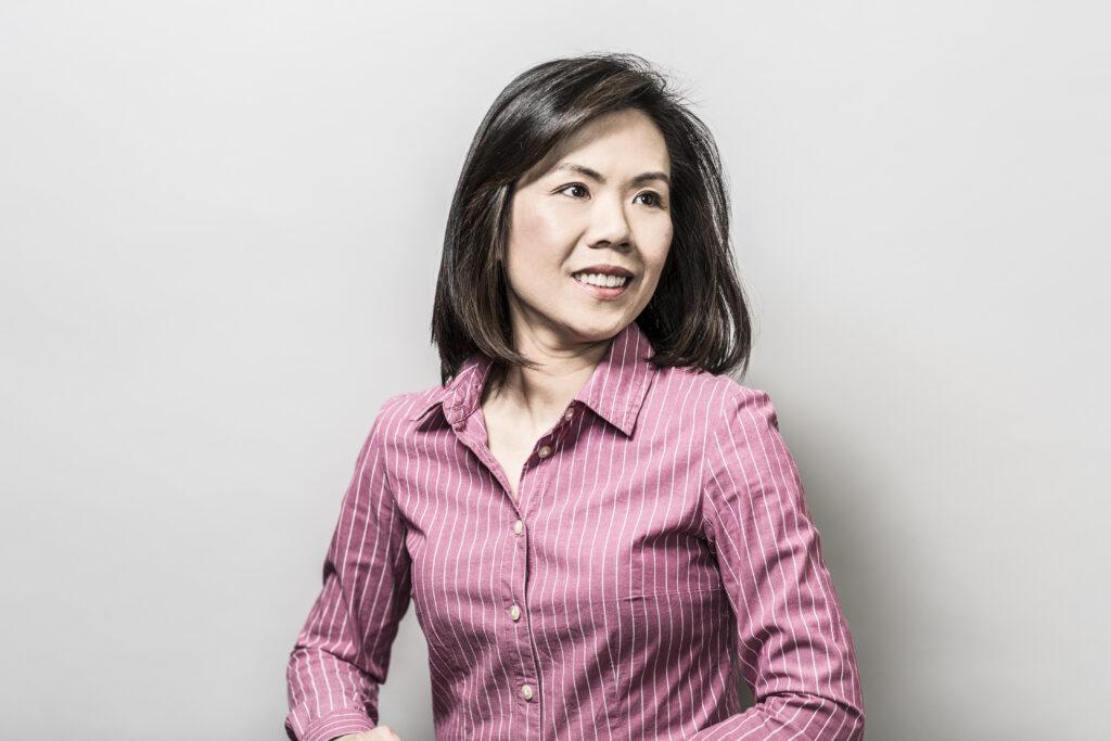 Headshot of professor Uyen Trang Nguyen